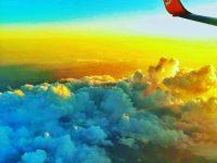 航空券を格安,底値で買う方法とは?保存版.飛行機の席は窓側か通路側か?飛行機からの空の画像,写真