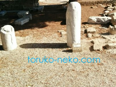 パフォスでパウロがそばに立ったという石
